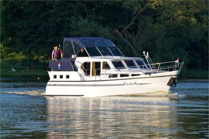 Motorboot mieten an Müritz & Havel: Carlotta - Pedro Skiron 35