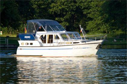 Motorboot chartern an der Müritz: Charlotte - Pedro Skiron 35