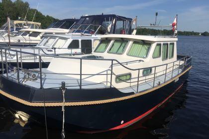 Motorboot mieten in Berlin: Wal Conavroegh Rob 900