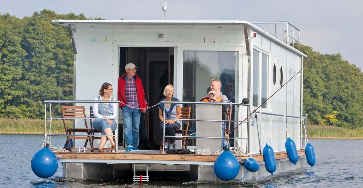 Schwimmende Ferienhäuser: Febomobil