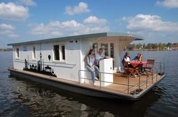 Riverlodge und Bunbo Hausboote ohne Bootsführerschein mieten an Müritz und Havel bei Yachtcharter Römer