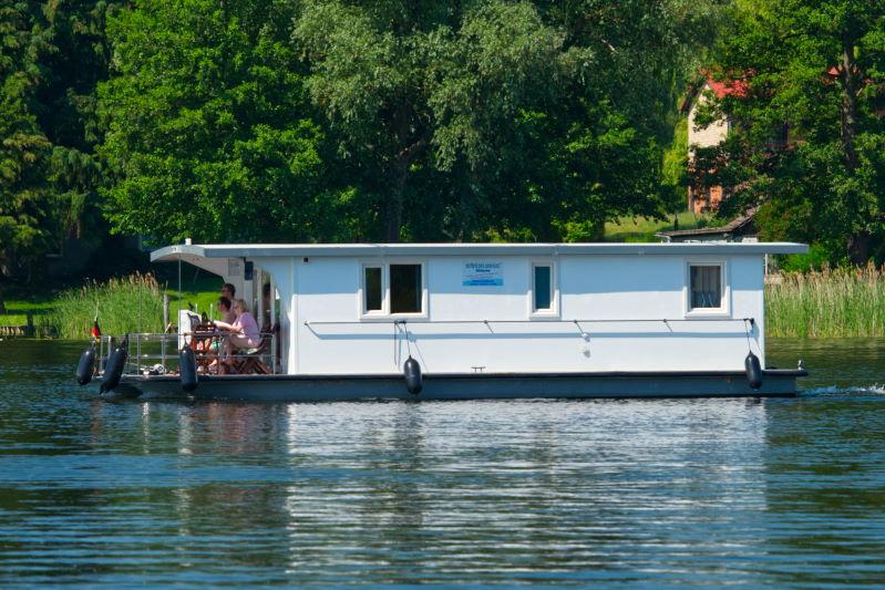 Bungalowboot mieten an Müritz & Havel: Ingrid - Riverlodge H2Home