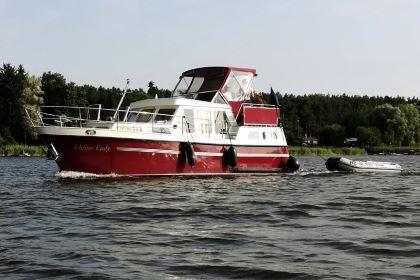 Charteryacht an der Mecklenburgischen Seenplatte buchen: Kleine Lady - Keser Hollandia 1000