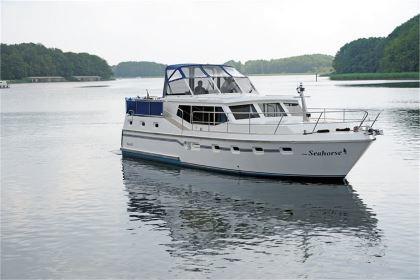 Yachtcharter an der Mecklenburger Seenplatte: Little Seahorse - Renal 45