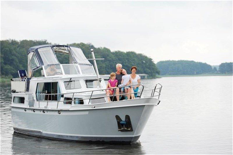 Motoryacht Mecklenburgische Seenplatte mieten - Succes 108 Ultra - Luise