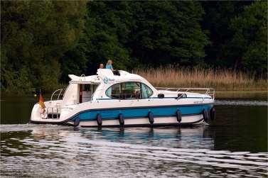 Motoryacht Mecklenburgische Seenplatte chartern - Nicols Estivale Quattro - Müritzsee
