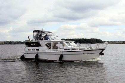 Bootsurlaub an der Mecklenburger Seenplatte: Poseidon - Pedro Skiron 35