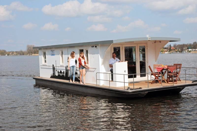 Müritz Bootsurlaub in Mecklenburg: Renate - Riverlodge H2Home