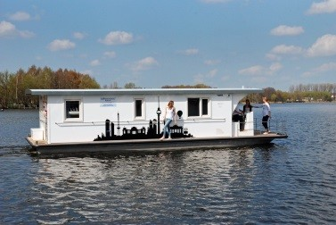 Machen Sie Hausbooturlaub auf der Müritz auf unserem Riverlodge Hausboot Sabine.
