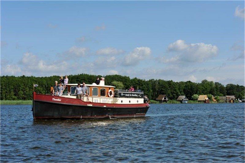 "Motoryacht ""Theodor"" - Aquanaut Vintage"